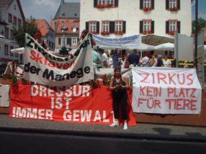 TIRM-Demo gegen Zirkus in Oppenheim gegen Althoff